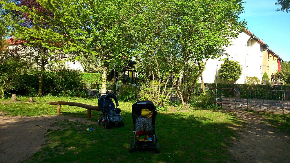 Spielplatz im Frühling 4